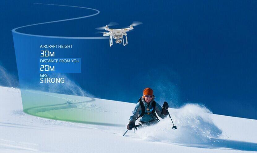 DJI Phantom 4 pro siguiendo a una esquiadora